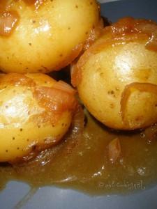 Pommes de terre et oignon mijotés